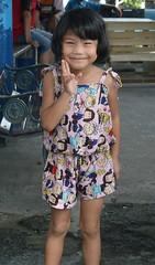 cute girl sends you peace (the foreign photographer - ) Tags: sep182016nikon cute girl peace sign khlong thanon portraits bangkhen bangkok thailand nikon d3200