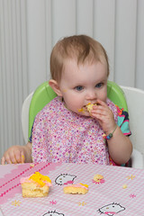 Finally Eating Some Cake (Craig Dyni) Tags: birthday baby girl madelyn alannah dyni