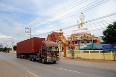 SOUTHERN THAILAND (Claude  BARUTEL) Tags: truck thailand south muslim islam border transport southern malaysia terrorism conflict trucking customs sadao insurgency dannok frontie