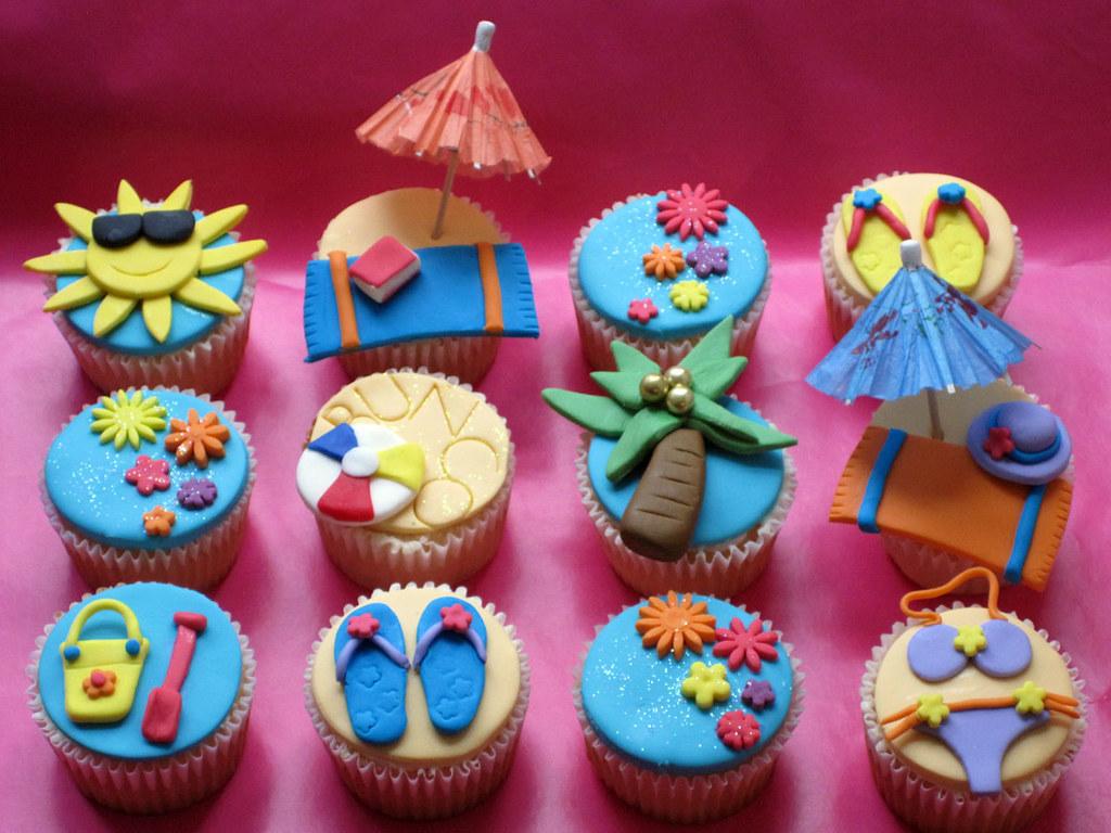 Beach Themed Bunco Party Cupcakes