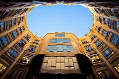 | Barcelona | La Pedrera | (Federico Ravassard) Tags: barcelona canon la casa spain barca guell bara parc barcellona federico spagna pedrera gaud mil rambla 550d ravassard