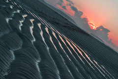 DSC_0185b (Javier Allegue Barros) Tags: mar arena nubes ocaso baldaio