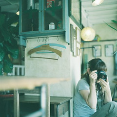 (kajico**) Tags: camera people girl cafe hasselblad freind fuji400h
