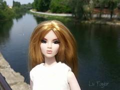 Rays of sun (Livia_Taylor) Tags: girls brooklyn back jasper dynamite