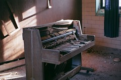 Piano (Follow me @tessealexandrashea on Instagram) Tags: favorite film broken lomography pentax decay piano destroyed 400iso unedited