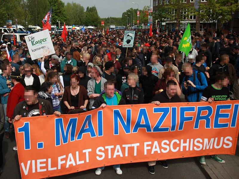 Fotogalerie der NPD-Demo in Rostock und Gegenaktionen