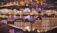 Porto - Portugal (ferreira.ajbf) Tags: porto night colors cityscape city longexposure douro river rio historic downtown