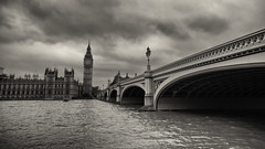 Grey skies (Pat Charles) Tags: london england unitedkingdom uk travel tourism nikon architecture bridge thames river leadinglines bigben housesofparliament blackwhite bw monochrome clouds outdoor outside