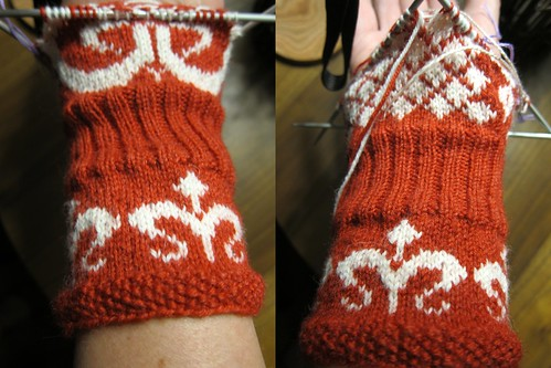 Day 29 - Signe Mittens Front & Back