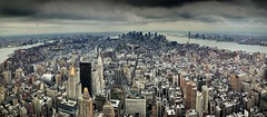 Manhattan (Julio Lpez Saguar) Tags: city urban usa newyork landscape downtown unitedstates manhattan ciudad paisaje panoramic urbano viewpoint mirador estadosunidos nuevayork accumulation panormica acumulacin juliolpezsaguar