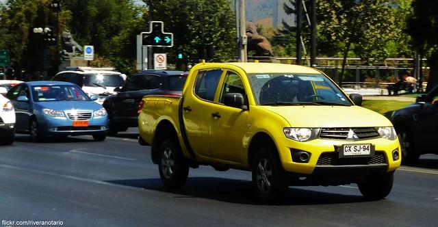 chile santiago cars autos mitsubishi pickups camionetas carspotting mitsubishil200