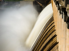 (Dirk Wallace) Tags: humeweir hydroelectric water blur mist dam damwall sony a850 zeiss zeiss2470f28 sal2470z murrayriver victoria nsw newsouthwales river floods