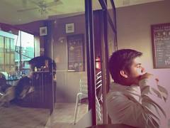 (Yaye's Art) Tags: reflection guy colors cafe centro yaye