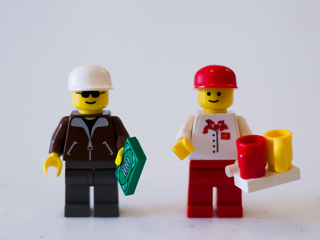 Minifigs from McDonald's Restaurant LEGO Town set (3438)