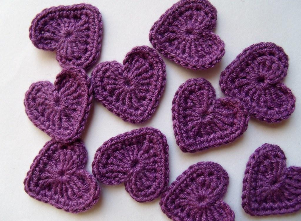 Ravelry fun little crochet heart applique pattern by mysticmeems