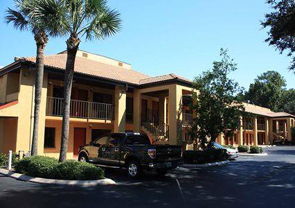 Quality Inn University Hotel near The University of Florida