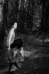 L'attente (JulienTocanier) Tags: bw ballet woman france classic dance model nikon femme bretagne danse nb brest classical pointe foret bois modele noirblanc classique finistere d90 strobist wlackwhite julient demipointe metz48af1