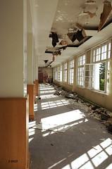 Dsordre drang dans salle  manger (B.RANZA) Tags: trace histoire waste sanatorium hopital empreinte exil cmc patrimoine urbex disparition abandonedplace mmoire friche centremdicochirurgical