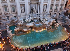 Trevi Fountain Rome Italy in Perspective (Maria_Globetrotter) Tags: italy rome roma fountain june night ladolcevita clear trevifountain rim rom fontanaditrevi 2012 anitaekberg