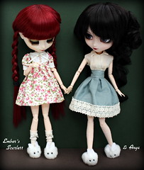 Girls night in with bunny feet (pure_embers) Tags: uk girls friends red scarlett cute bunny love night dark dolls gothic queen hood pullip bloody pure lunatic anya slippers embers obitsu lunaticqueen