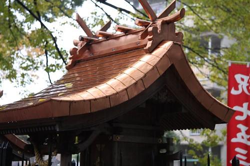 雨に濡れた社/ Yashiro
