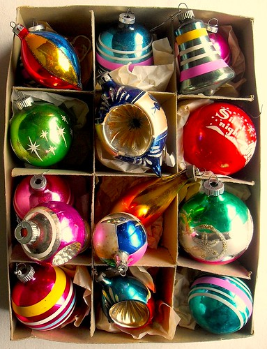 1940s 1950s vintage christmas ornaments shiny brite box - 1950s Outdoor Christmas Decorations