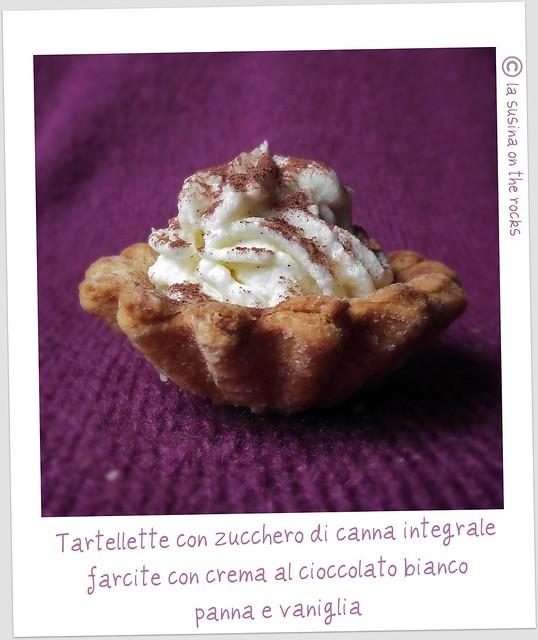 tartellette con zucchero di canna integrale farcite con crema di cioccolato bianco, panna e vaniglia
