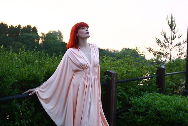 florence_and_the_machine02_website_image_photography_standard