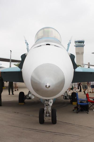 EAA10_FA-18C_004