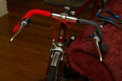 Cloth handlebar tape over inner tube wrap