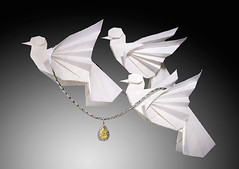 Origami For The Canary Christmas Collection 2010 (cavemanboon*) Tags: singapore origami catalogue doves productcatalogue ronaldkoh cavemanboon thecanarydiamondcompany milkphotographie