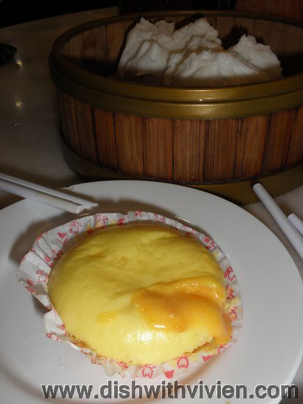 Jin-Xuan3-Salted-Egg-Custard-Bun