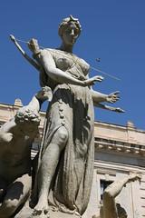 Artemis Agrotera (micromax) Tags: italy monument fountain statue europa europe italia diana syracuse sicily artemis fontana sicilia siracusa ninfa sicilian canoneos400ddigital archimedessquare fontanadiartemide
