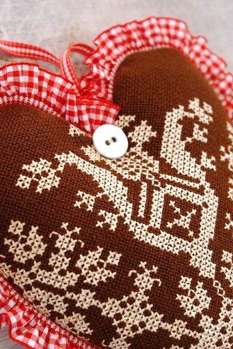 gingerbread winter heart