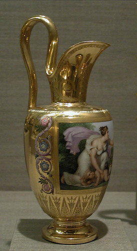 006-Milk Jug –jarra de leche etrusca-Porcelana de Sevres 1813-Decorador Étienne-Charles Le Guay-© 2000–2010 The Metropolitan Museum of Art