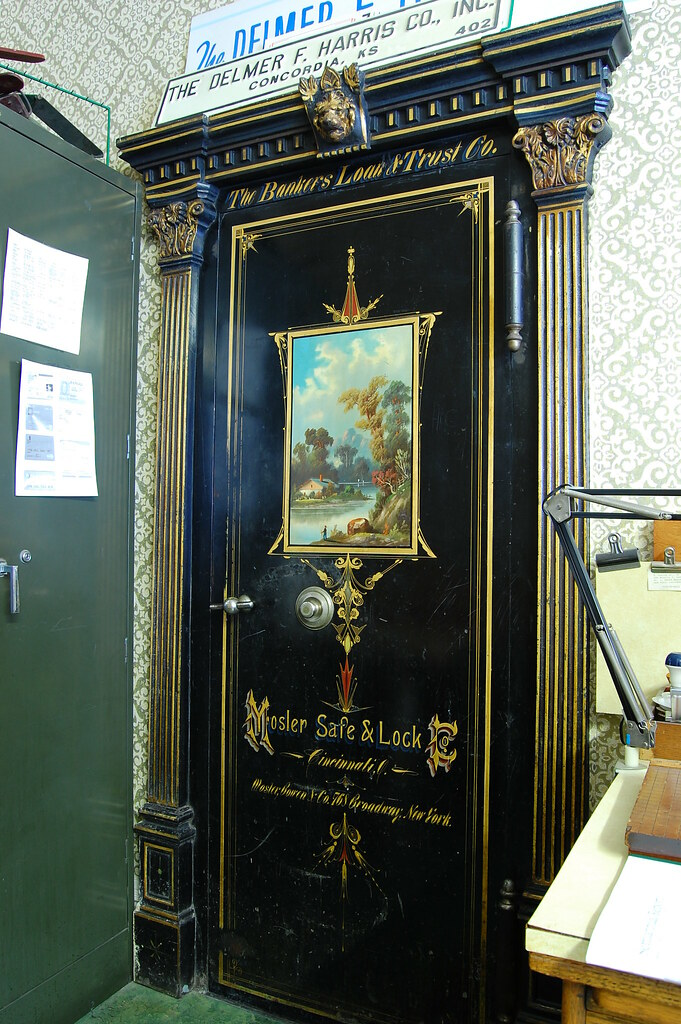 Bankers Loan and Trust Company Bank Vault Door (radargeek) Tags: door paint  lock - The World's Best Photos Of Door And Mosler - Flickr Hive Mind