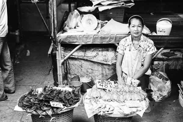 Bangkok MaeKlong railway market