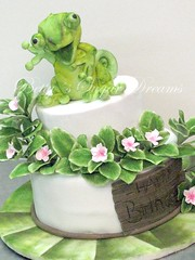 Birthday Chameleon (Bettys Sugar Dreams) Tags: birthday fish chicken cake germany hamburg cook vegetable geburtstag betty fisch chef topf veggie chameleon gemse torte koch fondant torten chamleon geburtstagstorte madagaskar madagascarperiwinkle sugarcraft gummihuhn motivtorte bettyssugardreams bettinaschliephakeburchardt geburtstagstorten