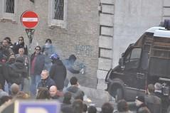 insorgere per risorgere (mkarco) Tags: roma 14 per dicembre carabinieri 2010 studenti manifestazione corteo governo camionetta scontri risorgere sfiducia insorgere