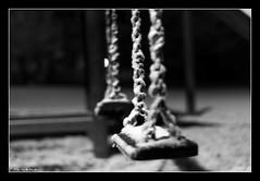 Ricordi d'infanzia (*kikka83*) Tags: blackandwhite bw snow bn neve freddo biancoenero altalena infanzia circolofotograficopaullese