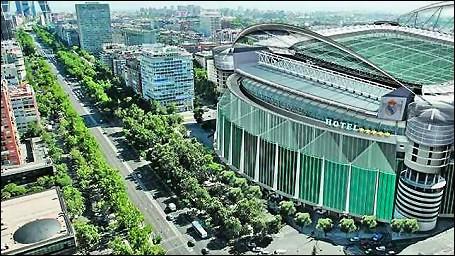 5274454454 a5be791b7b - Bienvenidos al hotel 'Bernabéu' cinco estrellas del Real Madrid