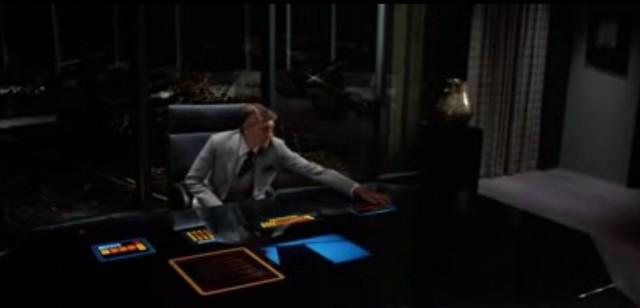 TRON 1982 escritorio mesa touch