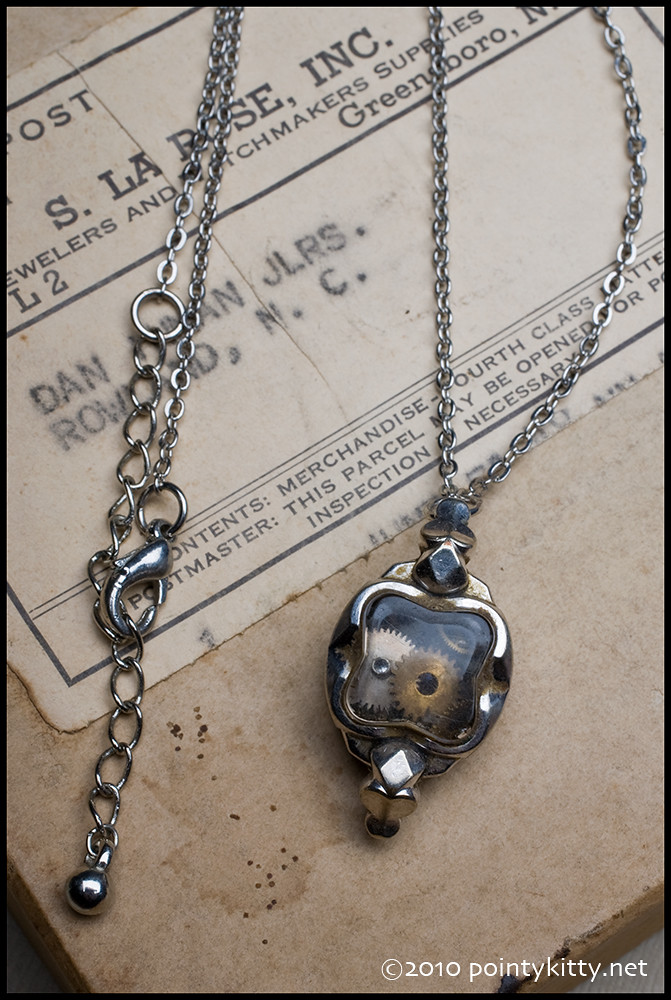 Lost in Time, no. 208 - Loose Gear Steampunk Necklace