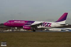 HA-LPW - 3947 - Wizzair - Airbus A320-232 - Luton - 100201 - Steven Gray - IMG_6645