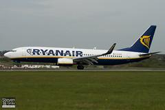 EI-DYP - 37515 - Ryanair - Boeing 737-8AS - Luton - 100428 - Steven Gray - IMG_0540