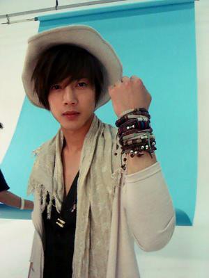 Kim Hyun Joong's Favorite Pose 6