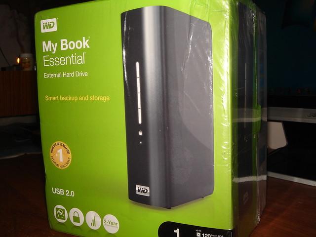 Loving the portability. Western Digital My Book 1 TB