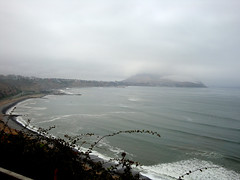 """Oscuro Pacfico"". Lima. Per                         ""Ocano Pacfico"" (alejandra.rh) Tags: peru water fog pacific lima gray olas pacifico oceano espuma oscuro darksea touraroundtheworld"