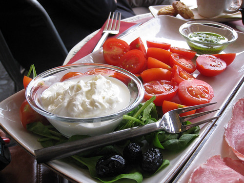Stracciatella di burrata with cherry tomatoes and pesto