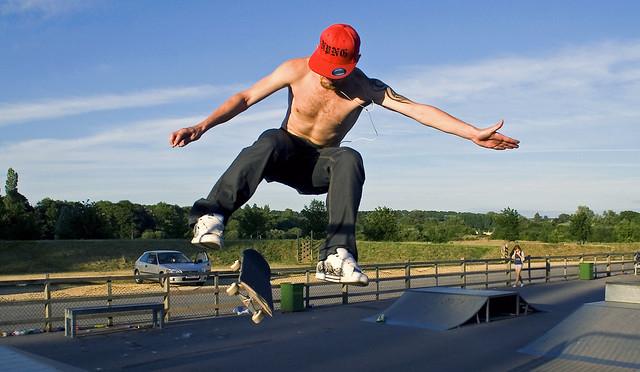 Skateboarding 5347281548_6c67a2f16a_z